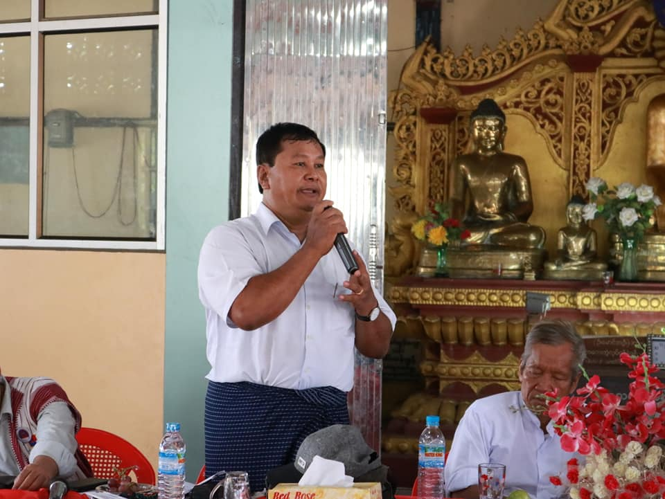 Meeting with Kyawtaw villagers (13)