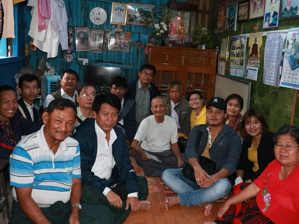 Meeting with Kyawtaw villagers (17)