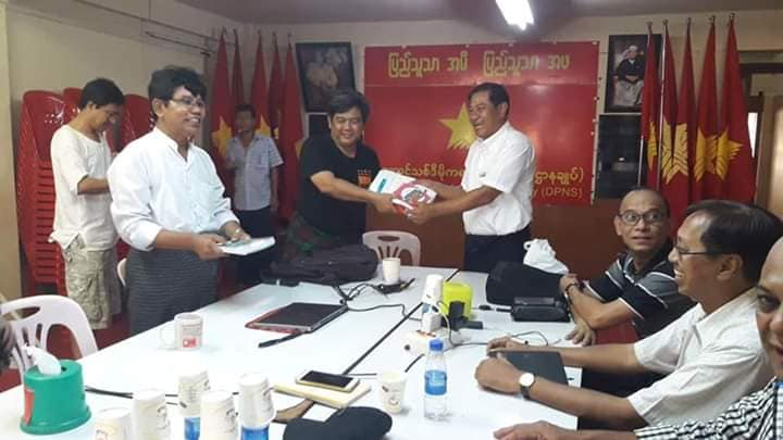 Meeting with democratic alliance (10)