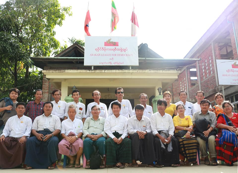 Meeting with Kyawtaw villagers (12)
