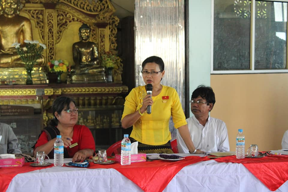 Meeting with Kyawtaw villagers (2)