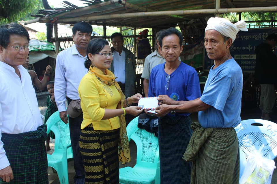 Meeting with Kyawtaw villagers (4)