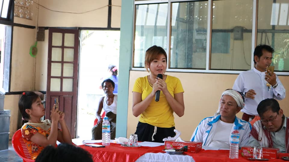 Meeting with Kyawtaw villagers (6)